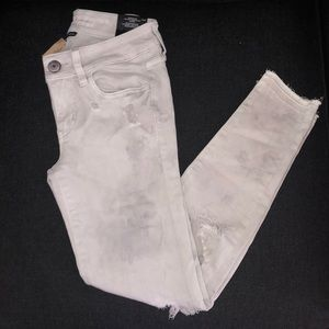 BRAND NEW / NEVER WORN AE JEANS